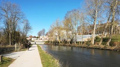 En vélo le long du canal